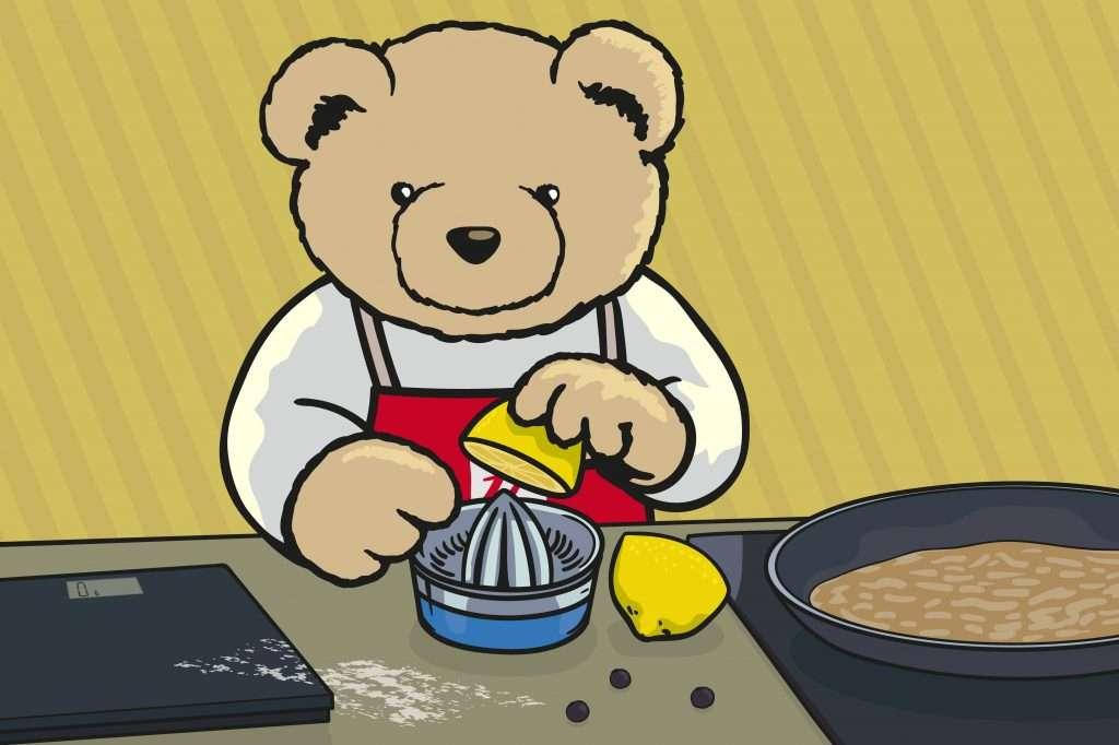 Eddie Teddie makes pancakes